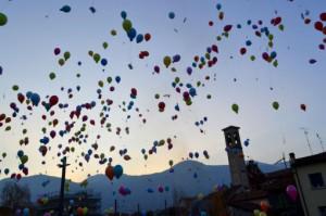 lancio palloncini Mandello